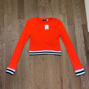 NWT cropped ribbed long sleeve top